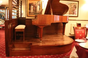 Piano & Arch